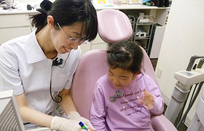 矯正治療中・治療後もしっかりとした定期健診(メンテナンス)、予防歯科を行います